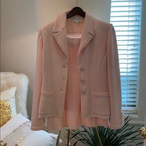 Saint John pink suit sz 10 jacket Sz 6 skirt